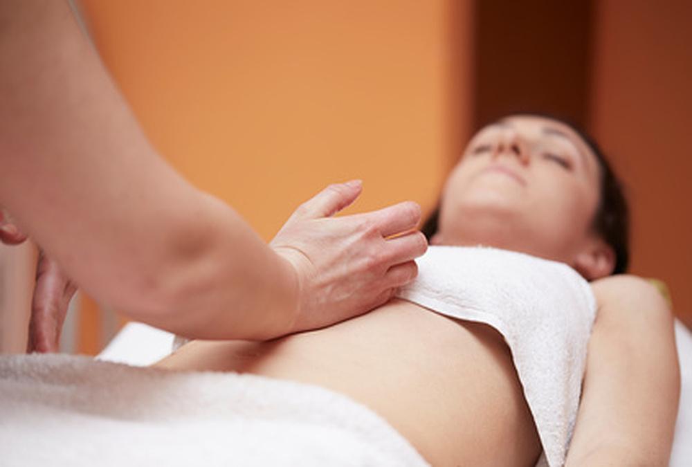 Fruchtbarkeitsmassage in meinem Entspannungsstübla - Kommen Sie zu mir für Wellnessmassagen, Entspannung und Energiearbeit