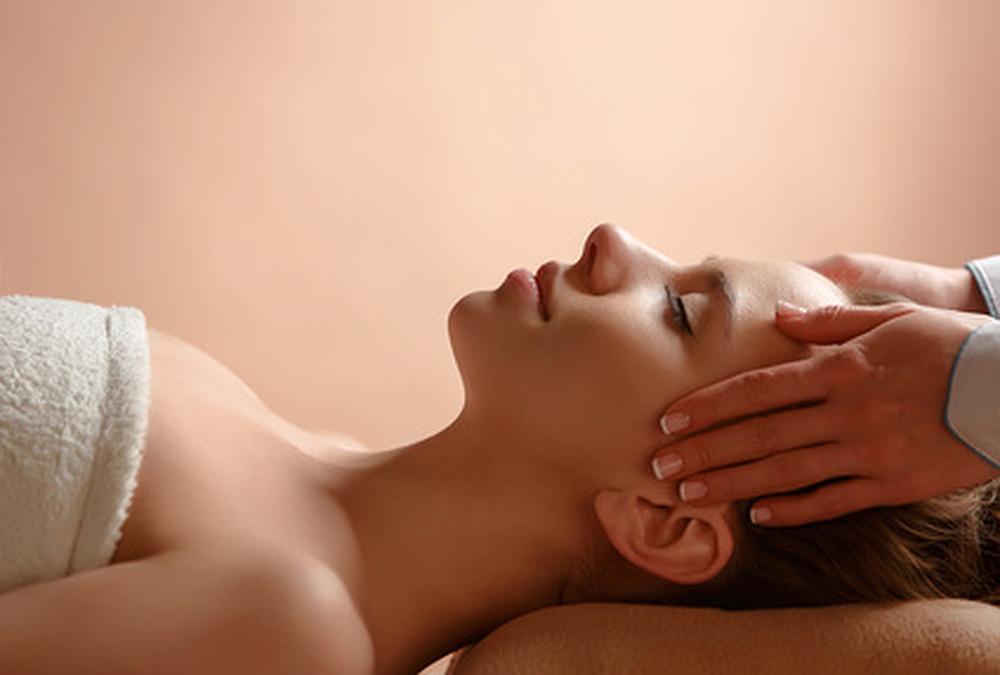Migränemassage in meinem Entspannungsstübla - Kommen Sie zu mir für Wellnessmassagen, Entspannung und Energiearbeit