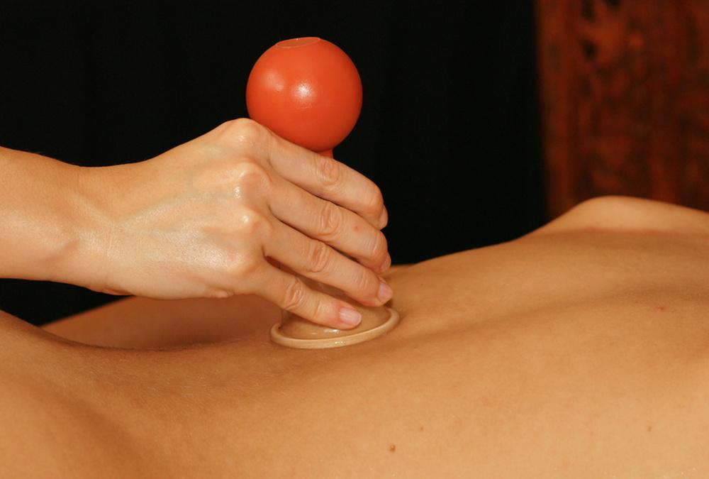 Schröpfkopfmassage in meinem Entspannungsstübla - Kommen Sie zu mir für Wellnessmassagen, Entspannung und Energiearbeit