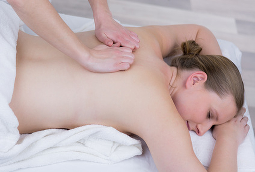 Sportmassage in meinem Entspannungsstübla - Kommen Sie zu mir für Wellnessmassagen, Entspannung und Energiearbeit